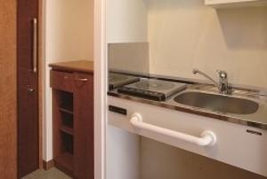 そんぽの家 萩山(旧名称:アミーユレジデンス萩山) 居室キッチン(同タイプの他のそんぽの家の写真)