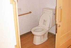 そんぽの家 神戸垂水(旧名称:アミーユ神戸垂水) 居室トイレ