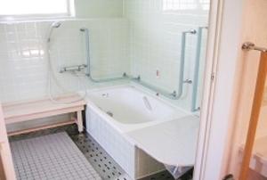 そんぽの家 神戸垂水(旧名称:アミーユ神戸垂水) 浴室