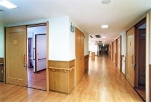 そんぽの家 神戸垂水(旧名称:アミーユ神戸垂水) 廊下