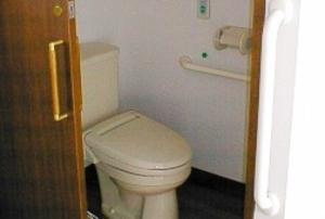 そんぽの家 西大寺(旧名称:コミュニティホーム アミーユ西大寺) 居室トイレ