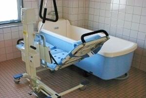 そんぽの家 西大寺(旧名称:コミュニティホーム アミーユ西大寺) 機械浴室