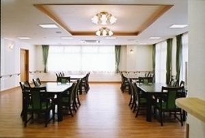 そんぽの家 倉敷(旧名称:コミュニティホーム アミーユ倉敷) リビング食堂