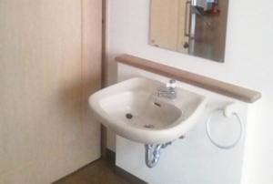 そんぽの家 中庄(旧名称:コミュニティホーム アミーユ中庄) 居室洗面台