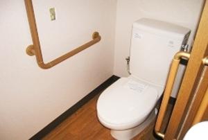 そんぽの家 下中野(旧名称:コミュニティホーム アミーユ下中野) 居室トイレ