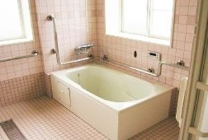 そんぽの家 下中野(旧名称:コミュニティホーム アミーユ下中野) 浴室
