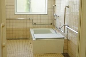 そんぽの家 西岡山(旧名称:アミーユ西岡山) 浴室