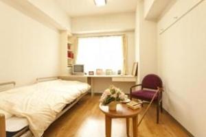 リハビリホームくらら鷺沼 全室収納スペース豊富なクローゼットを設置しておりますので、お部屋のスペースを有効活用できます。