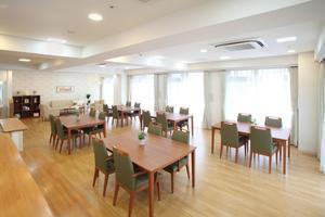 まどか浦和上木崎 広々としたスペースを使い機能訓練やイベントを行います。