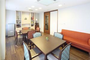 アリア高井戸 ご家族様やご友人とお食事、お誕生会などで、ゆっくり過ごしていただけるスペースです。(事前予約制・無料)
