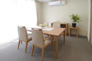 メディカルホームここち東岩槻 ご家族様との相談会や、お食事時にご利用していただいける相談室です。