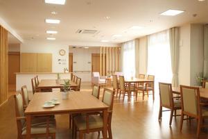 ここち幸手 明るい空間で楽しいお食事を。イベントなども多彩に楽しめる開放的なスペース
