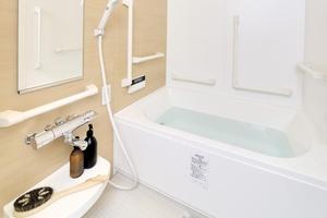 リレ石川橋 オートバス機能付きで、スイッチひとつの簡単操作でお湯はり、追い炊きが可能。時間を気にせず、ゆっくりとご入浴をお楽しみいただけます。