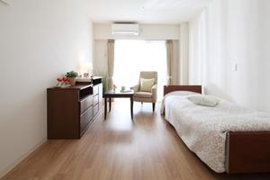 ここち稲毛 全室個室プライベート空間を確保しております。車椅子でも過ごしやすいバリアフリー設計です。