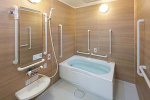 リハビリホームグランダ甲子園弐番館 檜の香りに癒される個浴風呂。身体の疲れを癒す格別の空間です。