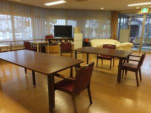 篠崎明生苑II 共有部食事は共有部にて。お話ししながら召し上がると更においしく感じます。