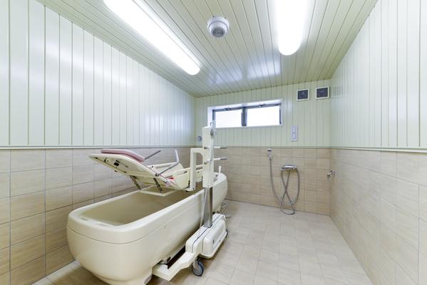すまいゆ藤間 機会浴槽も完備