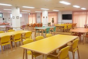 家族の家ひまわり一橋学園 食堂1