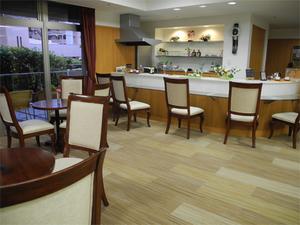 チャームスイート緑地公園 ご入居者様やご家族様のカフェコーナーとしてご利用いただけます。(有料)