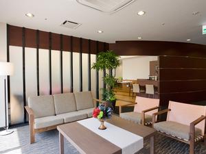 チャームスイート西宮浜 各階の談話コーナーは、ご家族様との団欒、ご入居者様同士の交流スペースとしてご利用いただけます。