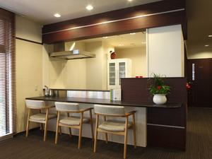 チャームスイート京都桂川 ご入居者様やご家族様のカフェコーナーとしてご利用いただけます。(一部有料)