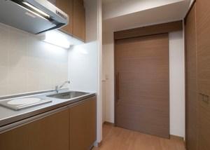 チャームヒルズ豊中旭ヶ丘 Bタイプ居室(2人入居可能) Bタイプの居室は約30㎡。ミニキッチンや浴室があり、要介護の方にも、安心して自宅に近い快適な生活を送っていただけるプライベートスペースです。