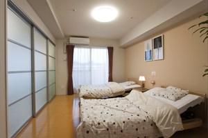 チャームヒルズ豊中旭ヶ丘 Cタイプ居室(寝室) Cタイプの居室はリビングと別に寝室がございます。