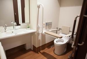 ツクイ・サンシャイン杉並 洗面とトイレ