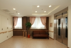 そんぽの家S 宝塚小林(旧名称:Cアミーユ宝塚小林) エレベーターホール