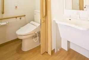 そんぽの家S 神戸上沢(旧名称:Cアミーユ神戸上沢) 居室洗面・トイレ